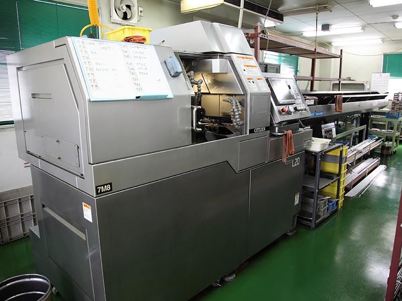 株式会社有田製作所の自慢の設備 -主軸台移動型CNC旋盤 Cincom L20-Ⅷ(7M8)