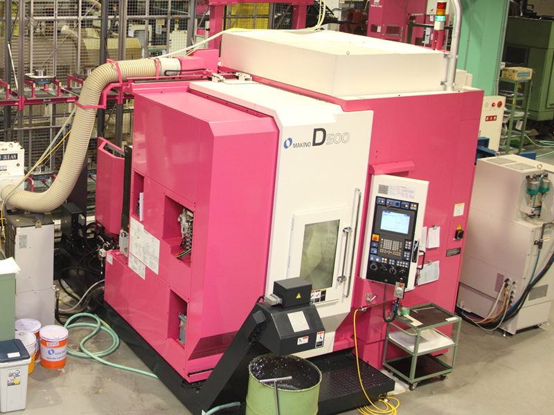HILLTOP株式会社の自慢の設備 -多軸加工機