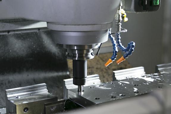 細かなニーズに応える各種加工機・検査機器