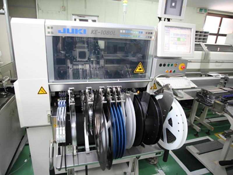 株式会社京光製作所の自慢の設備 -チップマウンター(JUKI製 KE-1080L)