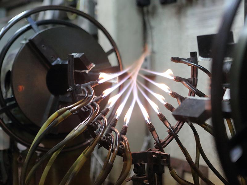 株式会社ナカムラ理化の自慢の設備 -ガラス旋盤