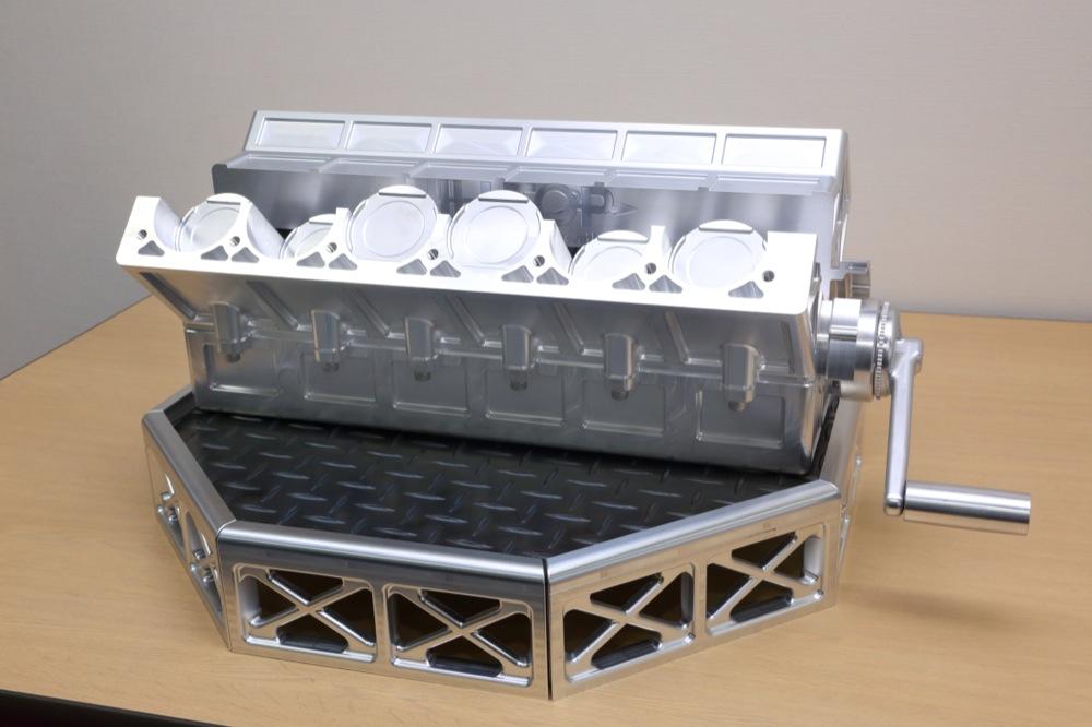 HILLTOP株式会社の試作実績:8気筒エンジンを想定したサンプル