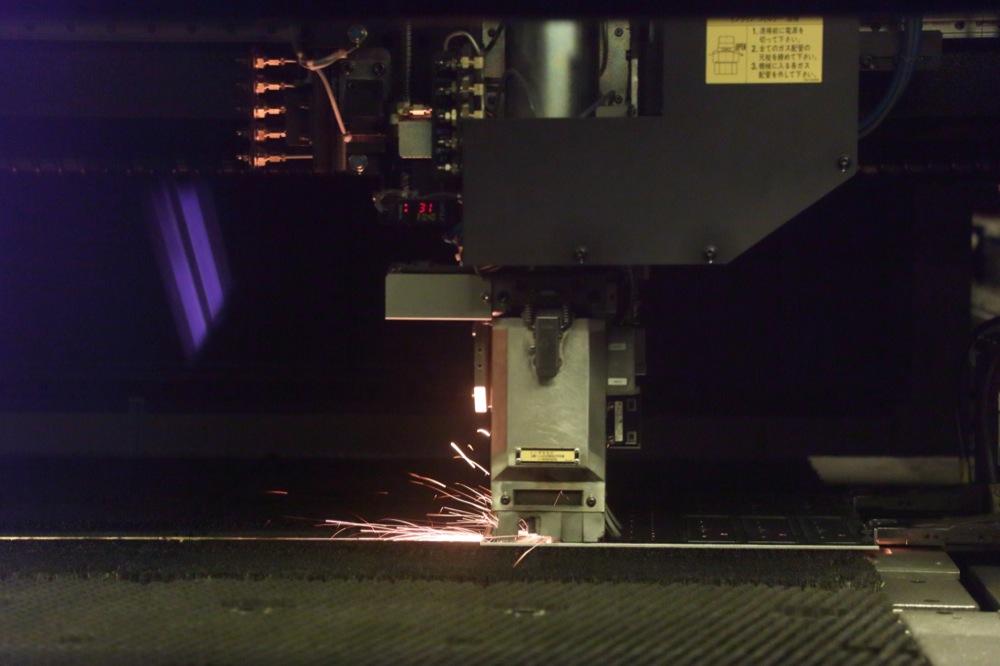 株式会社辻製作所の試作実績:複合機ファイバーレーザー