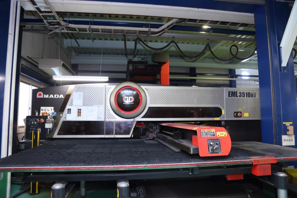 株式会社辻製作所の試作実績:CO2レーザー複合機ライン